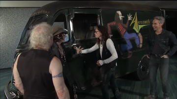 Ken Dashow - Watch Aerosmith's Emotional Reunion With Band's Long-Lost Touring Van