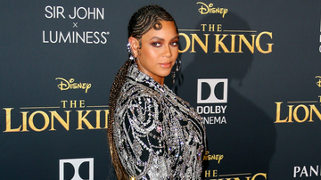 Headlines - Beyonce Got A Standing Ovation At 'The Lion King' Premiere — Find Out Why