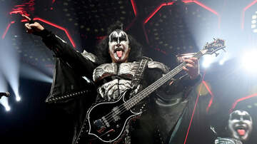 Rock News - Gene Simmons Hosting Bass Guitar Gallery Show In Las Vegas