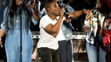 Sonya Blakey - Kirk Franklin invites a guest on stage for a special dance