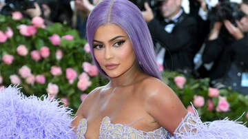 Entertainment News - Kylie Jenner Poses Completely Nude On Vacation To Celebrate Kylie Skin