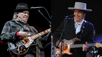 Rock News - Watch Bob Dylan, Neil Young Sing Will The Circle Be Unbroken? In Ireland