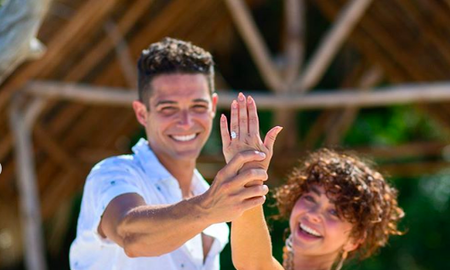 Entertainment News - Sarah Hyland and Wells Adams Are Engaged! See Her Stunning Ring