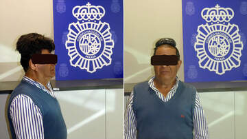 Trevor D in the Morning Show - Drug Smuggler Busted Hiding Cocaine Under His Ridiculously High Toupee