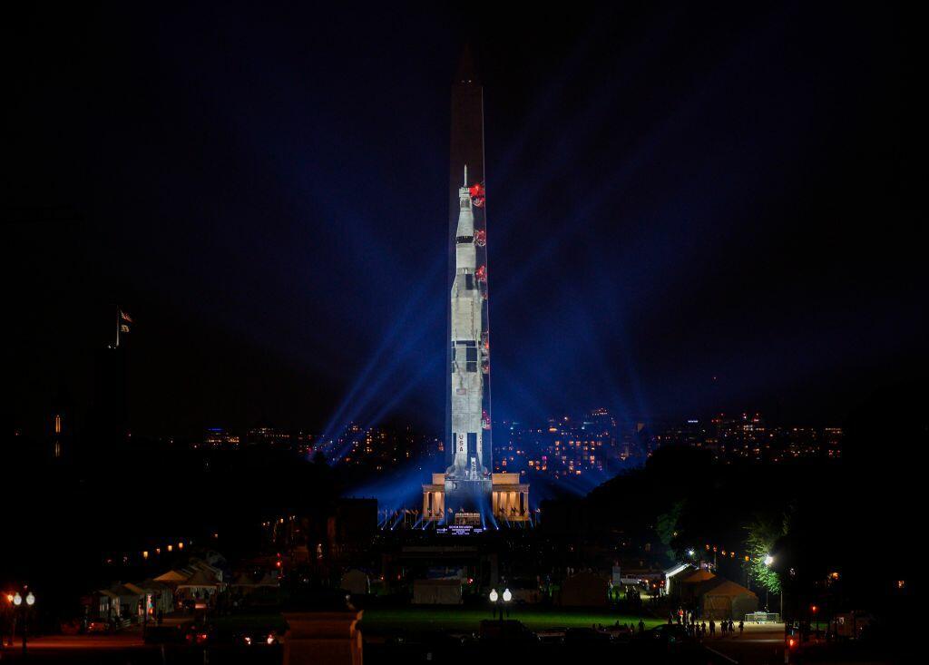 apollo spaceship on washington monument - photo #7