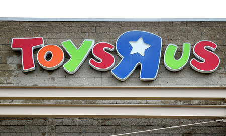J-Wizz - Toys 'R' Us to Make Small Comeback at N.J. Mall