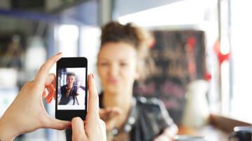 Lisa Foxx - Instagram Gets Rid Of 'Likes'