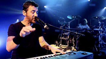 iHeartRadio Music News - Godsmack Dedicate 'Under Your Scars' To Fans In Emotional Video: Watch