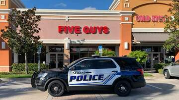 Weird News - Five Guys Fistfight Ends With Arrests of Five Guys
