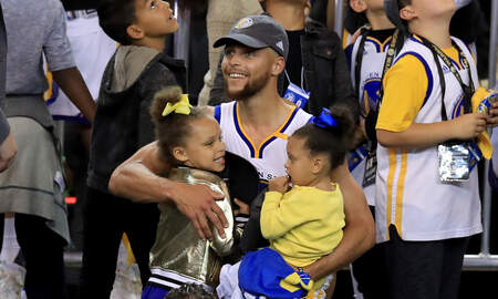 BIGVON - Steph Curry Jamming Out with Daughters Riley and Ryan to Hamilton