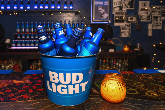 Bud Light Wants to Give Free Beer to Aliens Who Make It out of Area