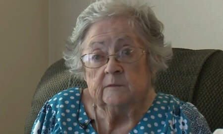 National News - Police Bring Elderly Woman A New Air Conditioner When Hers Broke Down