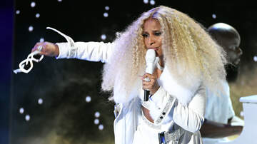 image for Mary J. Blige Claps Back After Fan Tells Her To Shut Up During Concert