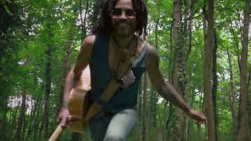 Entertainment News - Lenny Kravitz Celebrates Summer in 5 More Days Til Summer Music Video