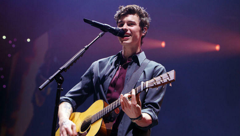 Shawn Mendes refuses to help bisexual fan come out to her parents