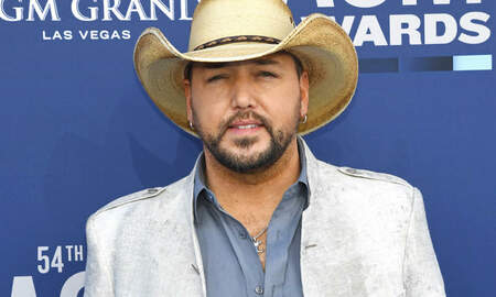 Music News - Jason Aldean Asks Fans To Help Translate His Son's Adorable Bathtub Speech