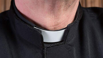 Weird News - Cops Found Bags Of Stolen Cash In Car Of Priest After Car Accident