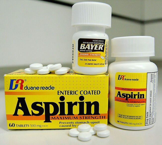 Aspirin May Reduce Risk of Colon Cancer