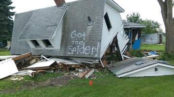 Local News - GOT THE SPIDER South Dakota guy's photo goes viral
