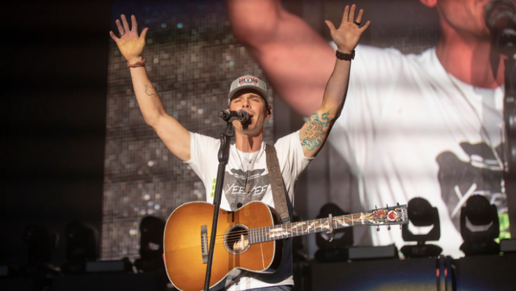 Granger Smith Demonstrates The Healing Power Of Music In New Video