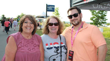 Photos - Fans From Tonight's Rob Thomas Concert at Lakeview Amphitheater (PHOTOS)