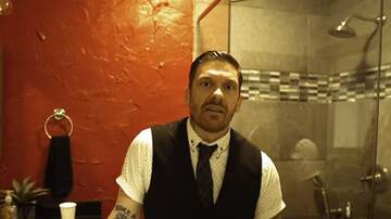 Allison - Shinedown's Brent Smith Shares Video of his Bathroom Vocal Warm-Up