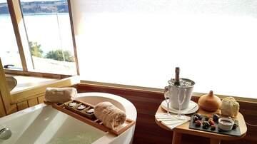 RJ - Hot Baths Before Bed Help us Sleep