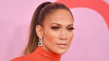 None - Jennifer Lopez NEARLY Falling From Balcony at 'Hustlers' Premiere (VIDEO)