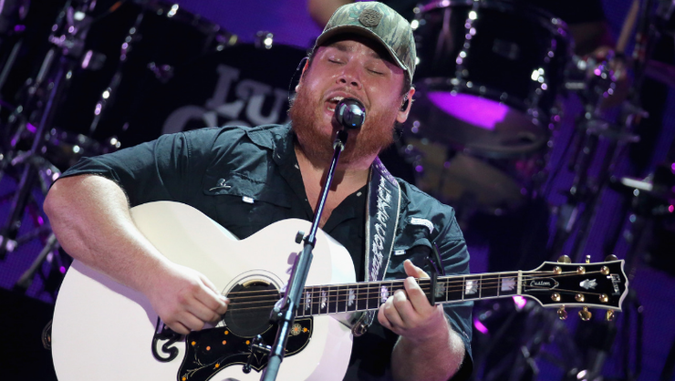 Luke Combs Shares Unreleased Fan-Favorite, 'Every Little Bit Helps'