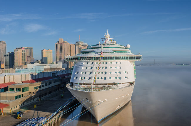 Port of New Orleans, mist on Mississippi River, early morning