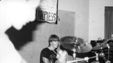 Pauly - Watch 16 year old DAVE GROHL rock the kit in 1985 punk rock band