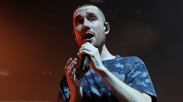 Mike Jones - INTERVIEW: It's Mike Jones With Bastille's Dan Smith
