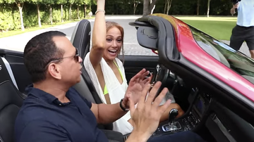 Headlines - Jennifer Lopez Attempts To Drive For The First Time In 25 Years: Watch