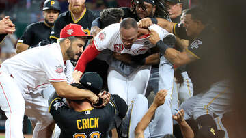 Mo Egger - This Amir Garrett Photo From The Reds/Pirates Fight Is Everything.