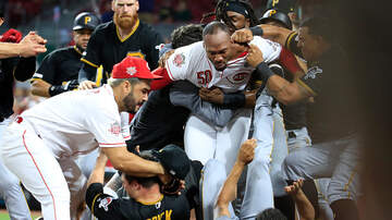 Tony & Dwight Blog (58587) - Ejections Galore In Bench-Clearing Brawl In Cincinnati