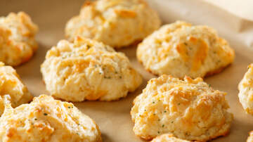 EJ - Red Lobster Is Now Selling Gluten-Free Cheddar Bay Biscuit Mix