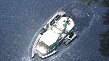 Johnjay And Rich - Optical Illusion Has Everyone Sure This Photo Is Of A Submerged Boat