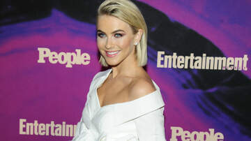 Entertainment News - Julianne Hough Recalls The Moment She Told Her Husband She's Not Straight