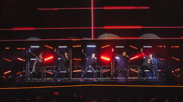 Photos - Backstreet Boys at Angel of the Winds Arena with Baylee Littrell