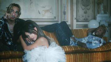 Headlines - Ariana Grande Gets Major Revenge On Love Rivals In New 'Boyfriend' Video