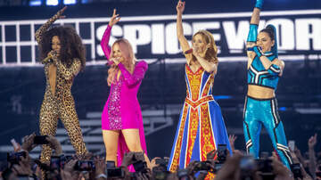 Entertainment News - Mel B Says Geri Halliwell Hook-Up Reveal Made Spice Girls Tour 'Awkward'