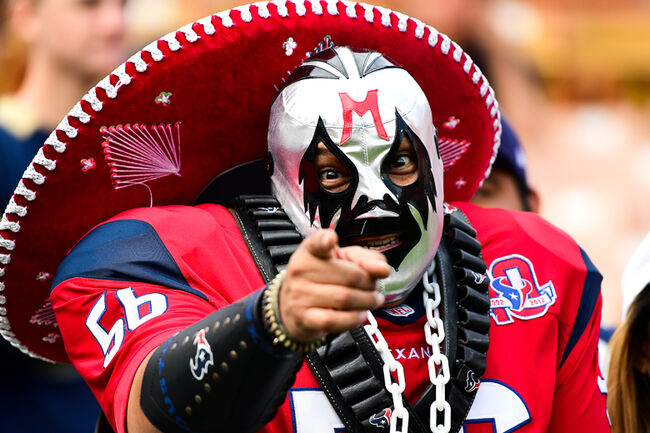 Houston Texans v Los Angeles Rams