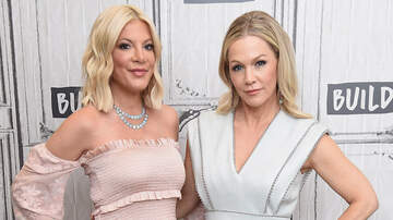 Elvis Duran - Tori Spelling & Jennie Garth Reveal Which Of Them Was Asked To Join 'RHOBH'
