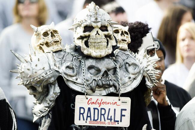 Vikings v Raiders