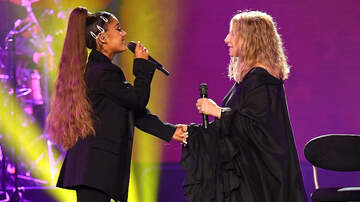 Headlines - Ariana Grande Joins Barbra Streisand In Chicago For Surprise Disco Duet