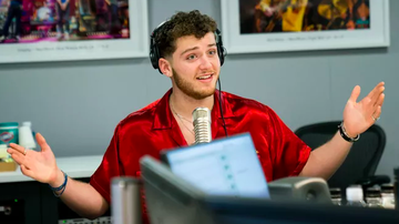 """Ryan Seacrest - Bazzi Weighs In on """"Scary"""" Aspect of Social Media"""