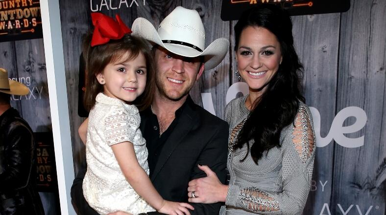 Justin Moore Admits He Faked Cat Allergy So Kids Would Stop Asking For One