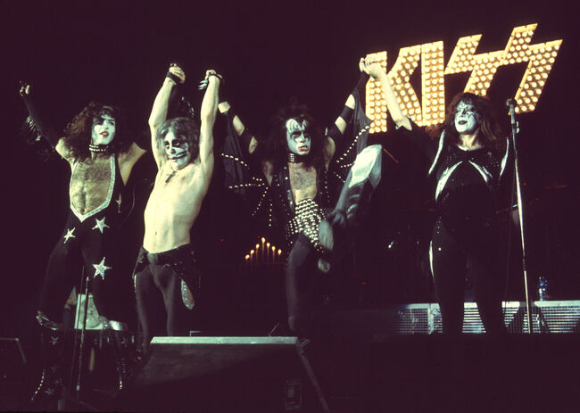 Kiss File Photos