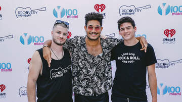 What's Up @ Y100 - Check out the best moments from Y100's Elvis Duran Summer Pool Party!