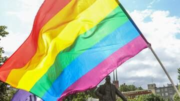 Justice & Drew - WATCH: Transgender Genitalia-Waxing Activist Files Complaint vs Restaurant